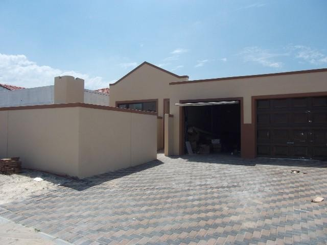 Property and Houses for sale in Kuils River, House, 3 Bedrooms - ZAR 820,000