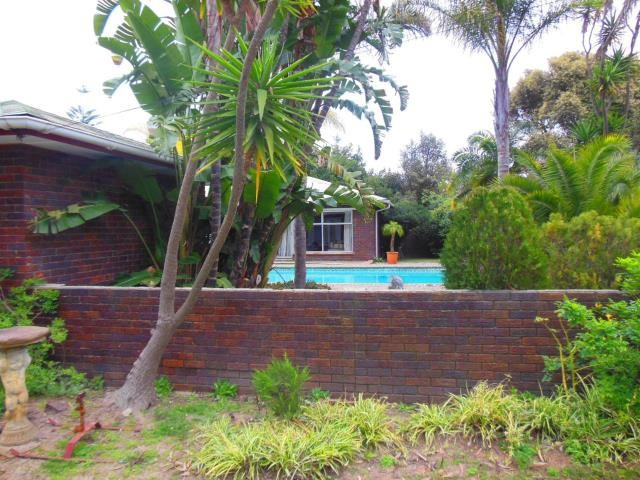 Property and Houses for sale in Kuils River, House, 4 Bedrooms - ZAR 2,800,000