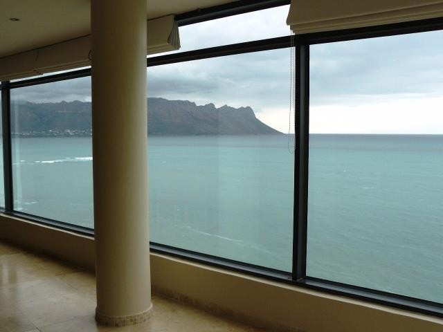 Strand property for sale. Ref No: 13269636. Picture no 14