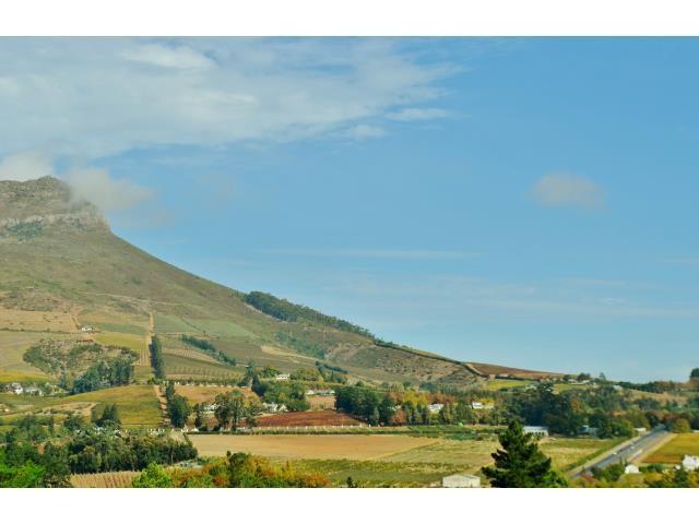 Stellenbosch property for sale. Ref No: 13269564. Picture no 9