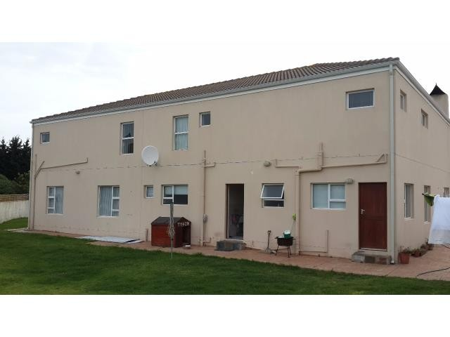 Country Club property for sale. Ref No: 13269584. Picture no 5