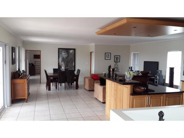 Country Club property for sale. Ref No: 13269584. Picture no 2