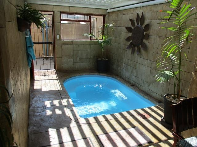 Winslow property for sale. Ref No: 13310069. Picture no 3