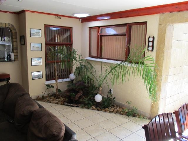 Winslow property for sale. Ref No: 13310069. Picture no 4