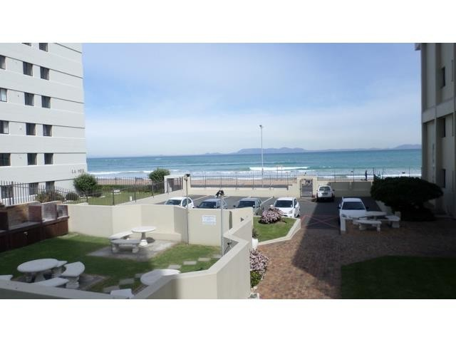 Strand property for sale. Ref No: 13270009. Picture no 1