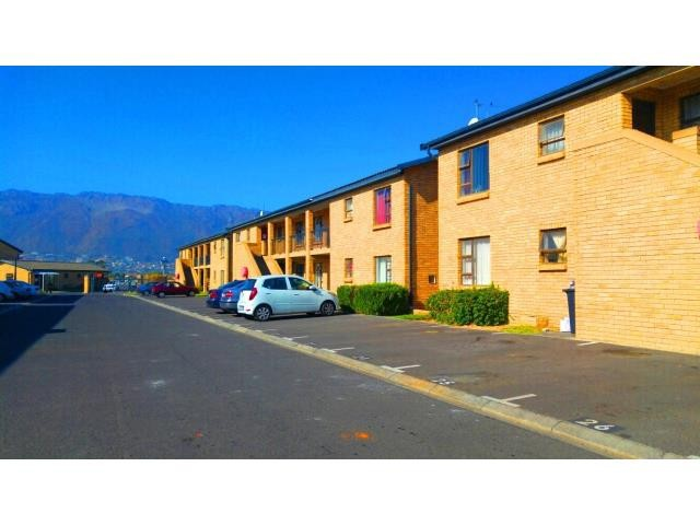 Gordons Bay property for sale. Ref No: 13330264. Picture no 5