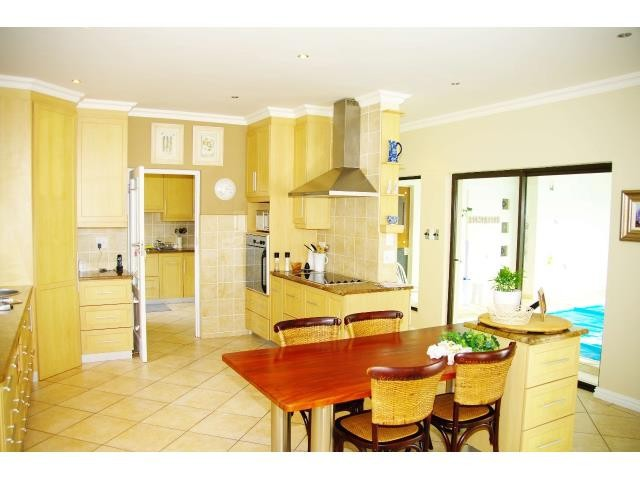 Myburgh Park property for sale. Ref No: 13338746. Picture no 8