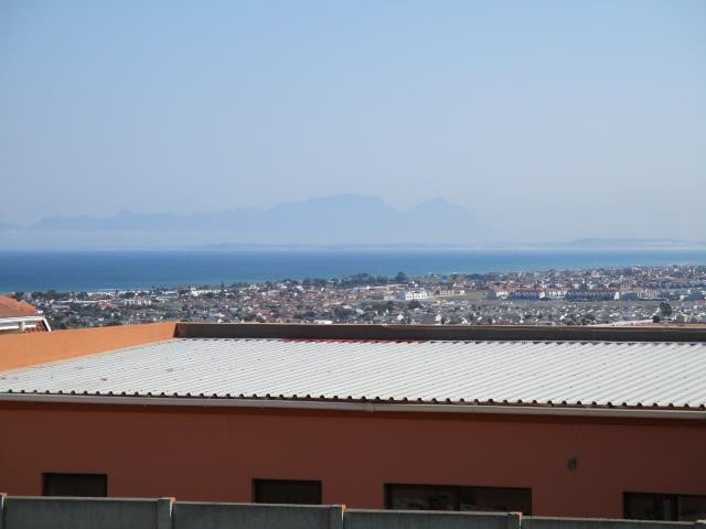 Gordons Bay property for sale. Ref No: 13375591. Picture no 8