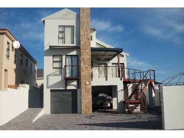 Calypso Beach property for sale. Ref No: 3244366. Picture no 1