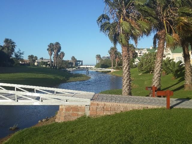 Greenways Golf Estate property for sale. Ref No: 13369241. Picture no 18