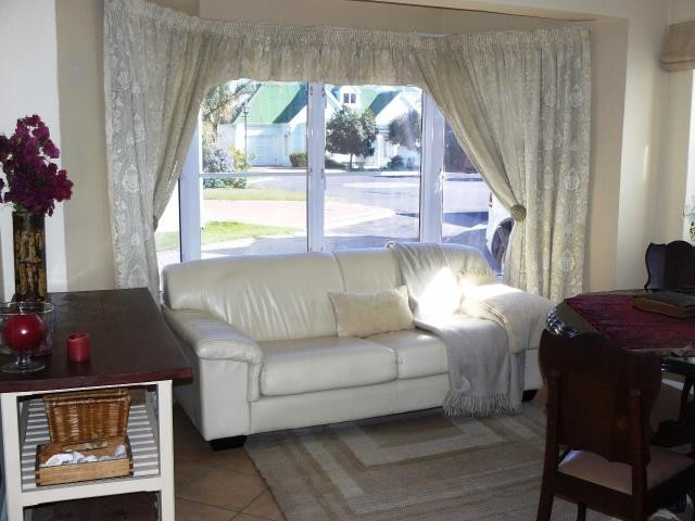 Greenways Golf Estate property for sale. Ref No: 13369241. Picture no 8