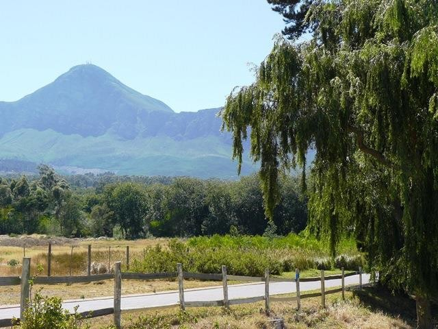 Somerset West property for sale. Ref No: 13301834. Picture no 11