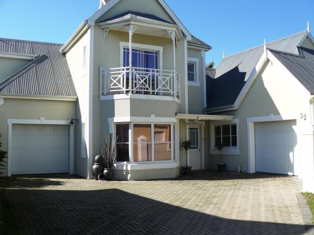 Greenways Golf Estate property for sale. Ref No: 13369241. Picture no 12
