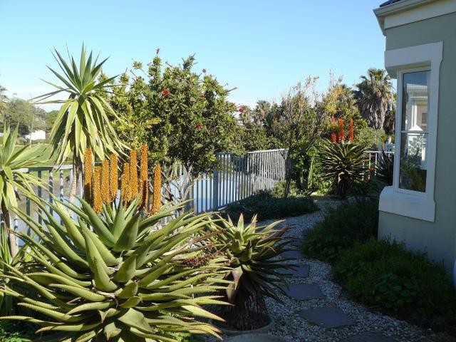 Greenways Golf Estate property for sale. Ref No: 13369241. Picture no 13