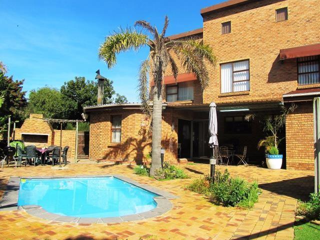 Amandelrug property for sale. Ref No: 13377895. Picture no 22