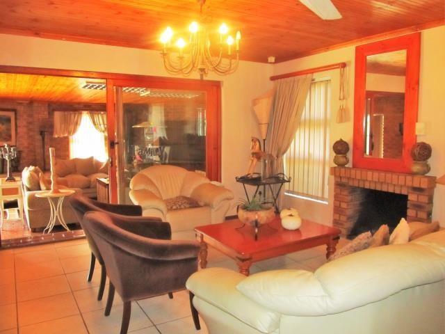 Amandelrug property for sale. Ref No: 13377895. Picture no 10