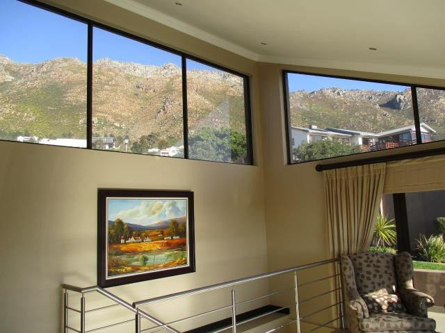 Mountainside property for sale. Ref No: 13377642. Picture no 12
