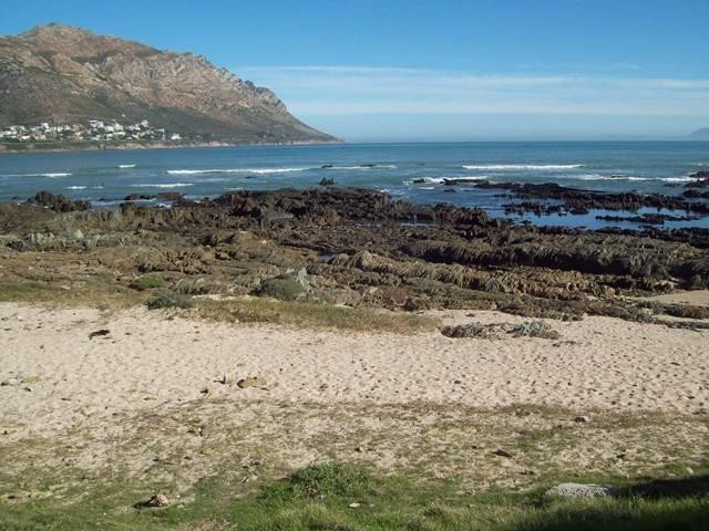 Gordons Bay property for sale. Ref No: 13393343. Picture no 14
