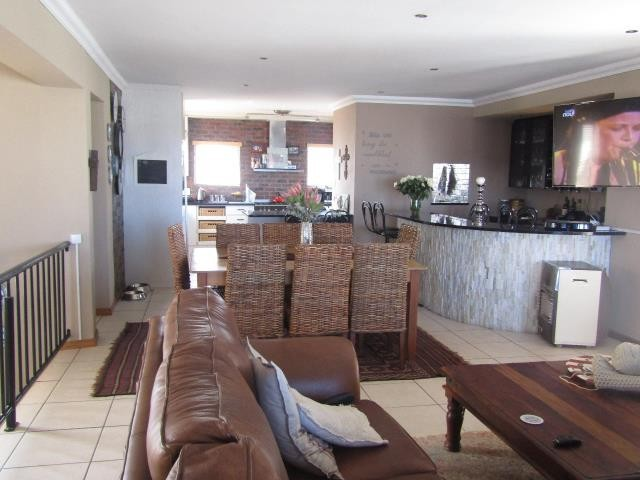 Blue Lagoon property for sale. Ref No: 13394008. Picture no 2
