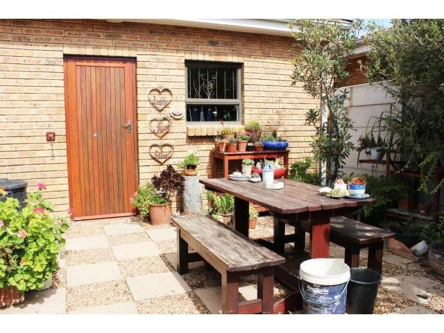 Heritage Park property for sale. Ref No: 13391771. Picture no 18