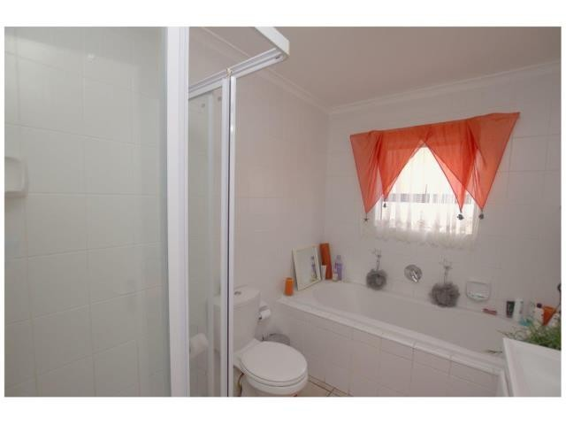 Heritage Park property for sale. Ref No: 13387736. Picture no 5