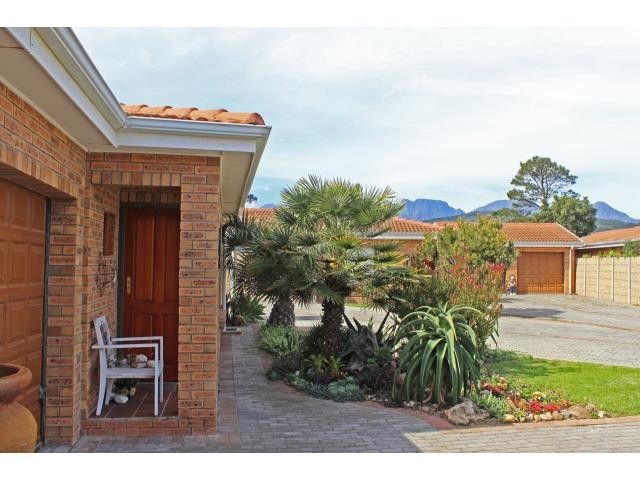 Heritage Park property for sale. Ref No: 13391771. Picture no 19