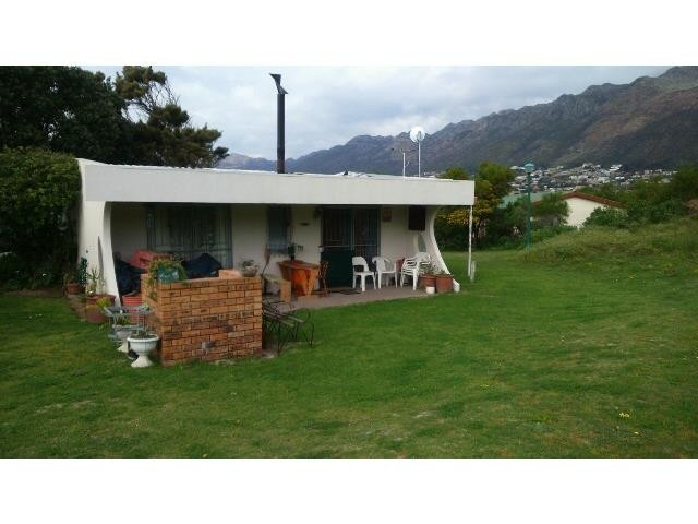 Gordons Bay property for sale. Ref No: 13393343. Picture no 17