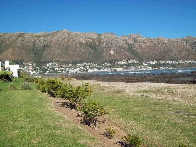 Gordons Bay property for sale. Ref No: 13393343. Picture no 13