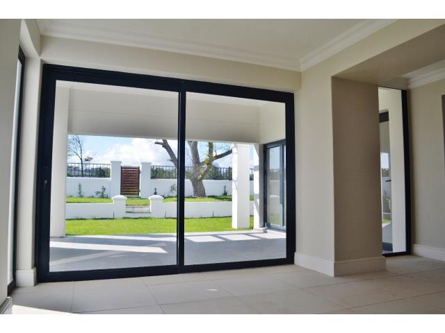 Croydon Olive Estate property for sale. Ref No: 13317067. Picture no 4