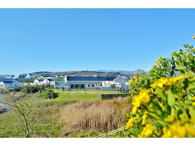 Croydon Olive Estate property for sale. Ref No: 13317067. Picture no 10