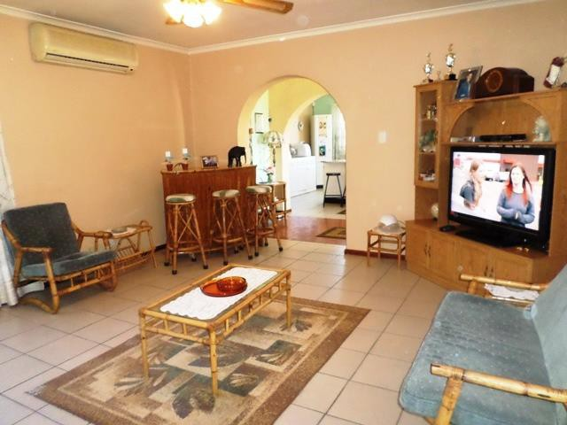 Strand property for sale. Ref No: 13400151. Picture no 2