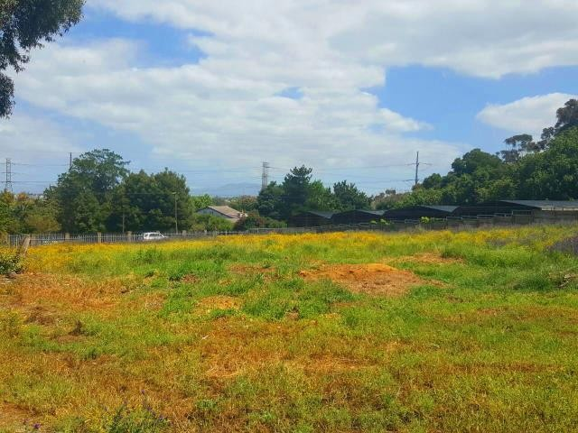 Kuils River property for sale. Ref No: 13401286. Picture no 7