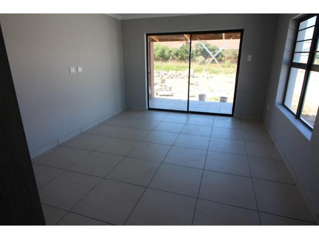 Myburgh Park property for sale. Ref No: 13394564. Picture no 8