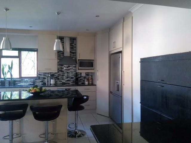 Strand property for sale. Ref No: 13400638. Picture no 17