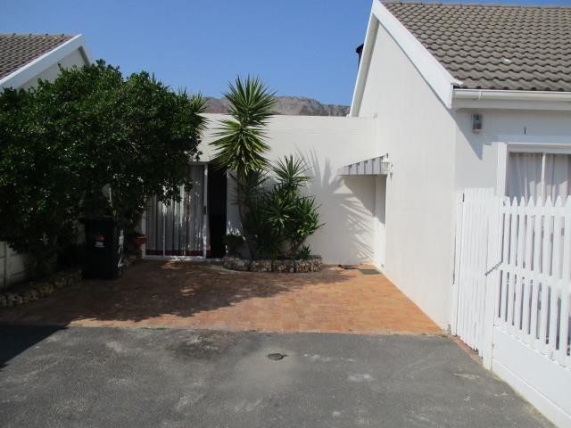 Dobson property for sale. Ref No: 13375377. Picture no 10