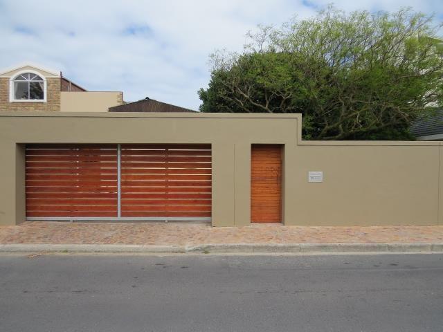 Strand North property for sale. Ref No: 13396624. Picture no 13