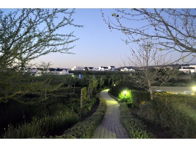 Croydon Olive Estate property for sale. Ref No: 13317067. Picture no 17
