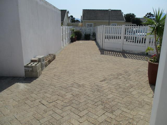 Dobson property for sale. Ref No: 13375377. Picture no 23