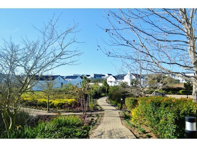 Croydon Olive Estate property for sale. Ref No: 13317067. Picture no 11