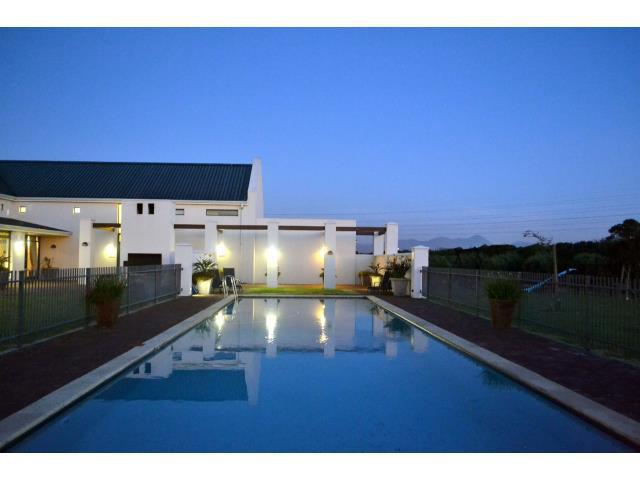Croydon Olive Estate property for sale. Ref No: 13317067. Picture no 19