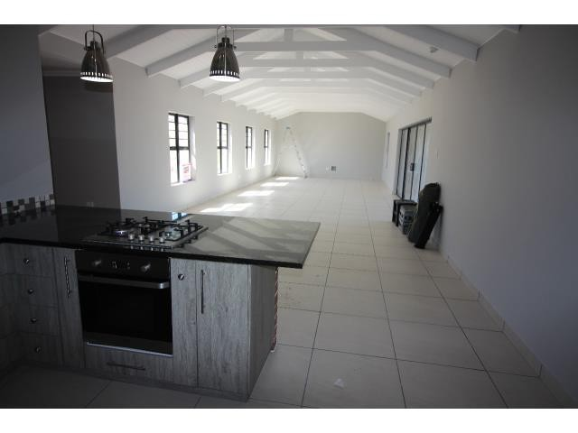 Myburgh Park property for sale. Ref No: 13394564. Picture no 4