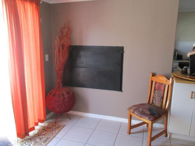 Dobson property for sale. Ref No: 13375377. Picture no 6