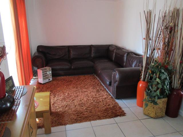 Dobson property for sale. Ref No: 13375377. Picture no 2