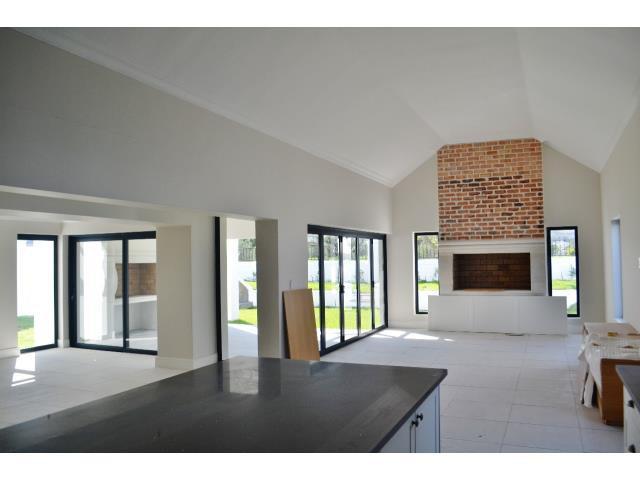 Croydon Olive Estate property for sale. Ref No: 13317067. Picture no 3